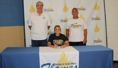 Mara Eeman signs with Coach Brewer and Coach Cannon
